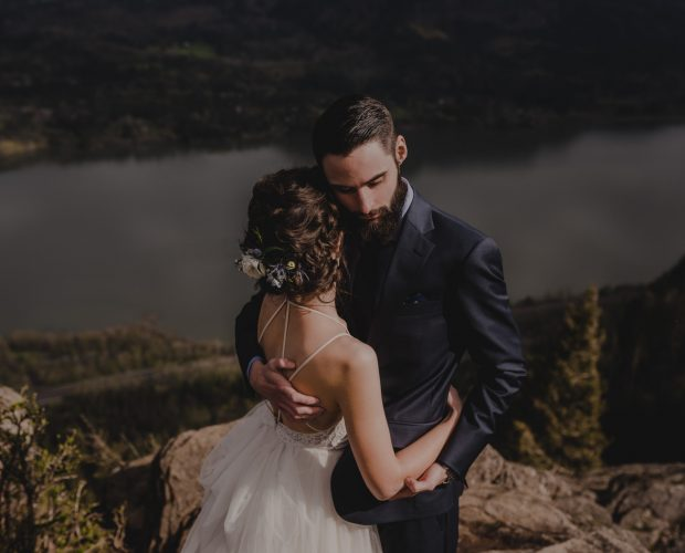 Angel's Rest Columbia River Gorge bride and groom wedding portraits