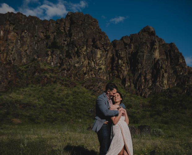 Horsethief Butte Columbia River Gorge Engagement Photographer
